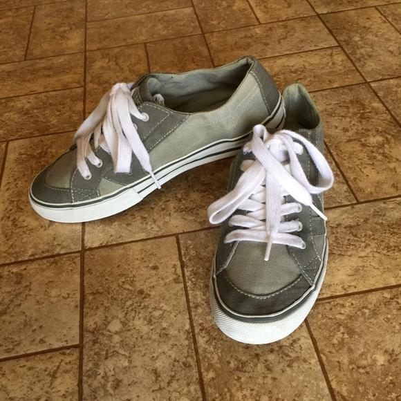 e44db2f4d066fe Athletics Vans Womens Tory Canvas Grey Shoes